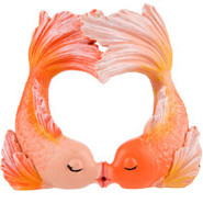 Kissing Goldfish Heart Bubbler
